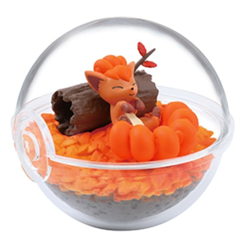 Pokemon 2'' Vulpix Four Seasons Terrarium Collection Trading Figure